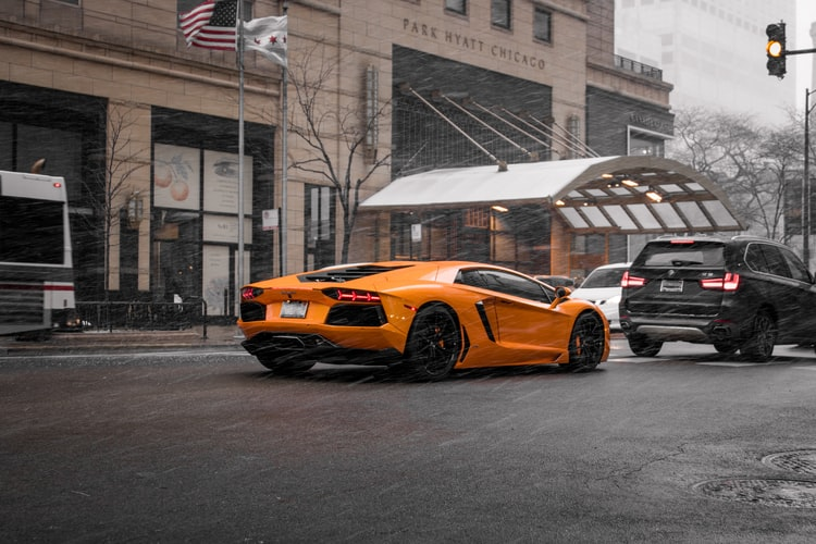 Know The Different Types Of Expensive Cars